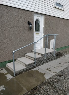 steps with railing inverness
