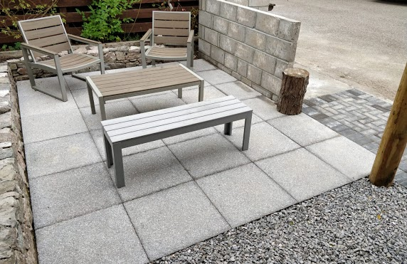 patio paving with benches 2
