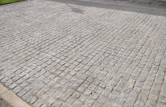 D&D paving walkway