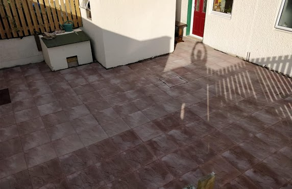 red patio paving