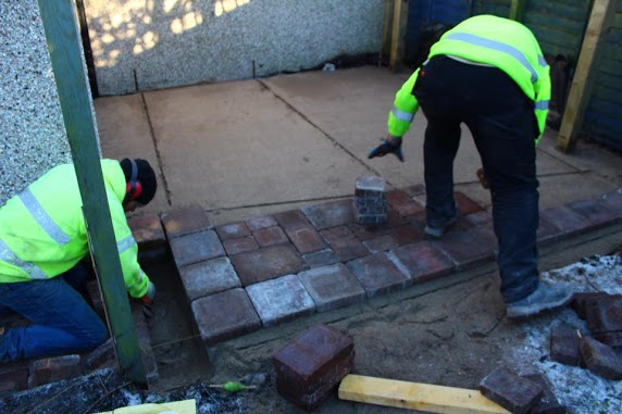 laying patio paving