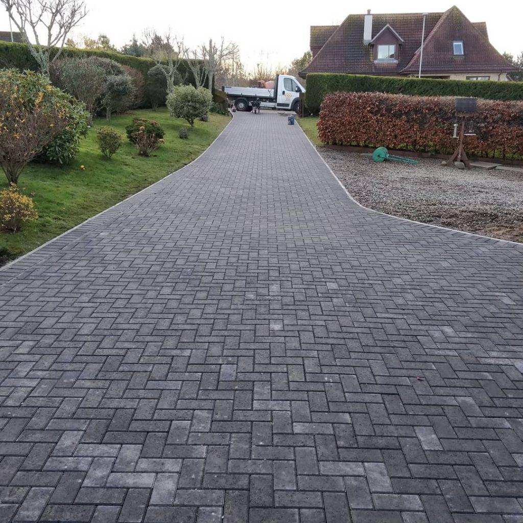 Block paved driveway inverness