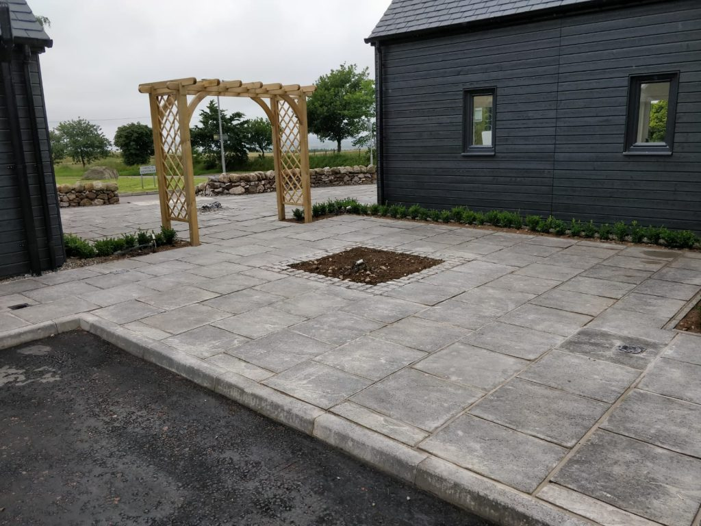 paved patio inverness pavers